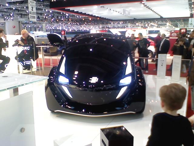 Le prototype de Light Car dévoilé au Salon de l'auto de Genève 2009